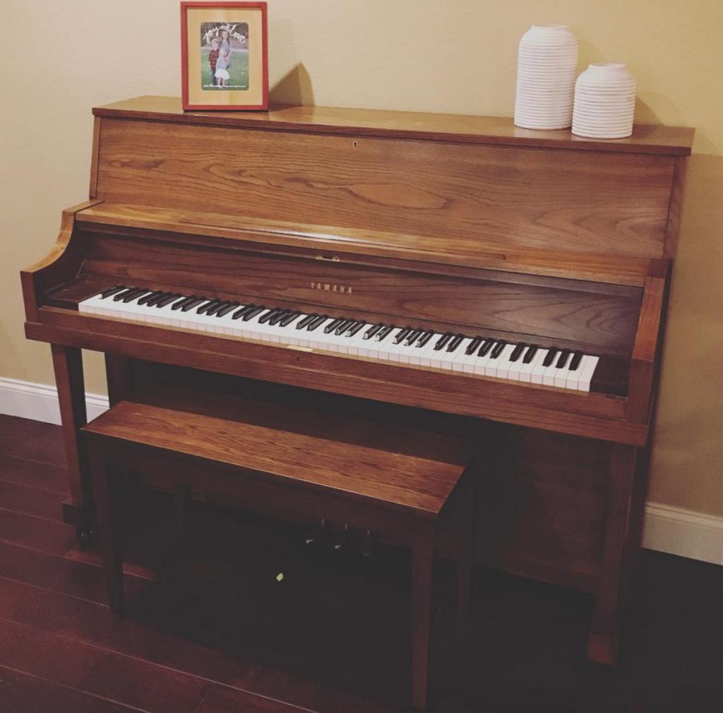 piano, Craigslist